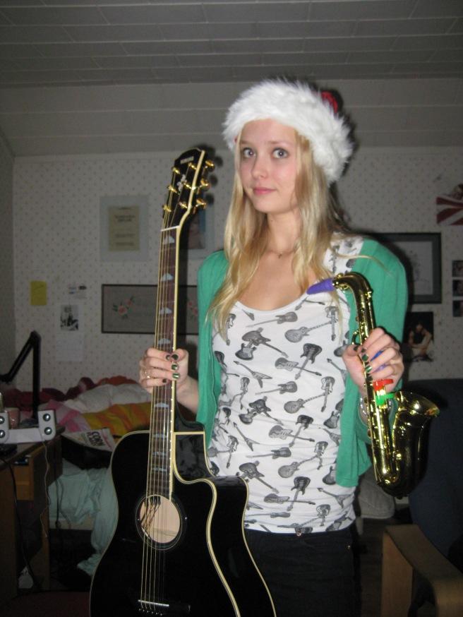 """Julen 2008 fick jag både en gitarr och en """"saxofon"""""""